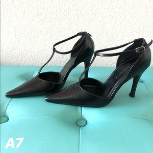 Newport News Black t-strap heel 6.5.
